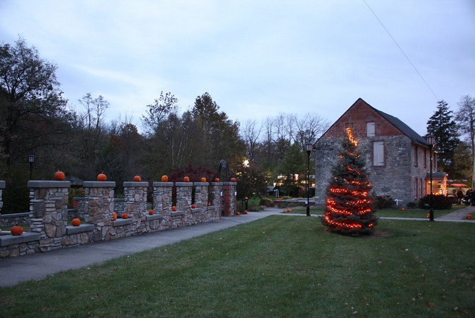 Mill-Site-Pumpkin-Walk